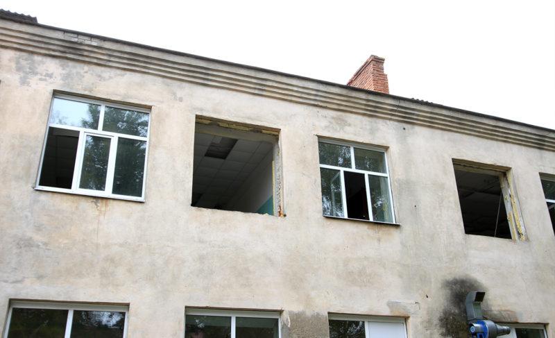 В центре Рыбинска разворовали здание бывшей гимназии. Следить за ним должна была администрация