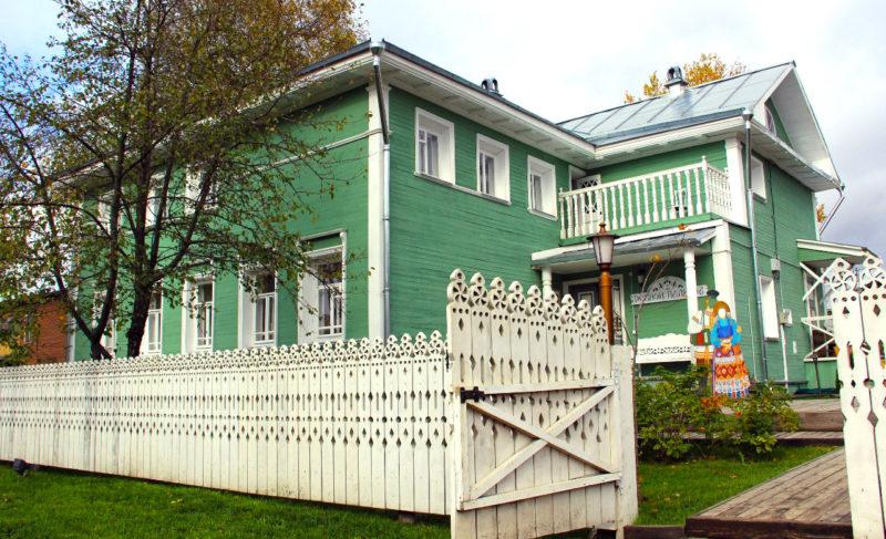 Вологда: столица резных палисадов