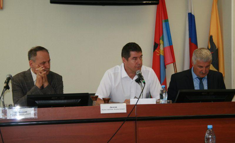 Пахарев против Долгова. Председатель Совета не стал отчитываться перед депутатами