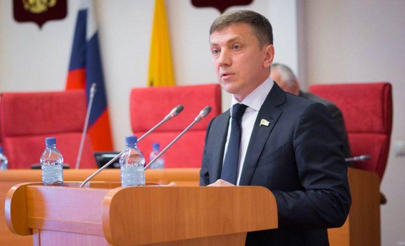 Кандидат в губернаторы пригрозил Добрякову уголовным делом