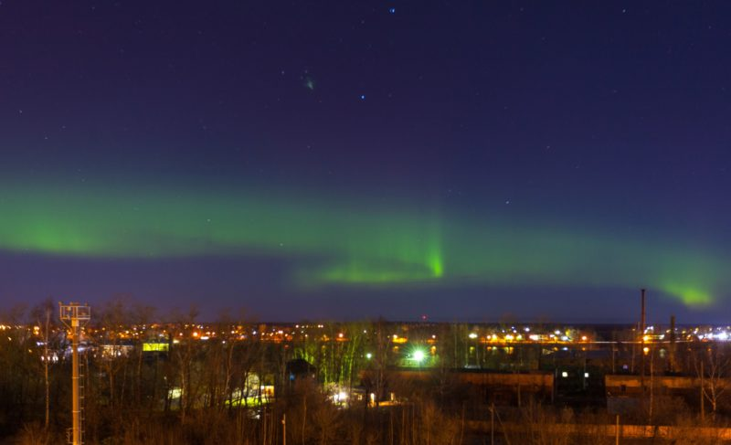 Полярное сияние осветило Рыбинск. Фото