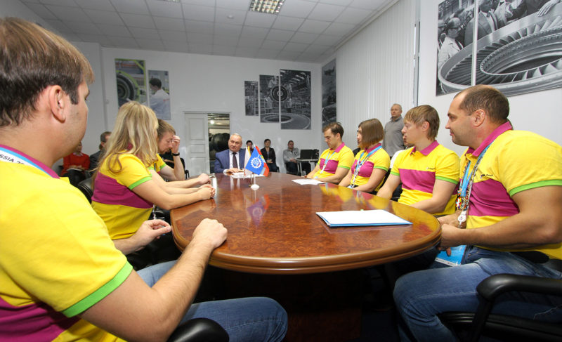 Будущее большой авиации идоставка пиццы надронах: делегация «Сатурна» вернулась соВсемирного фестиваля молодёжи истудентов вСочи