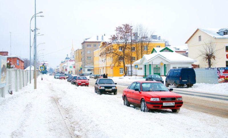 Зимняя уборка: как горожане оценивают работу коммунальщиков и что говорят в администрации Рыбинска