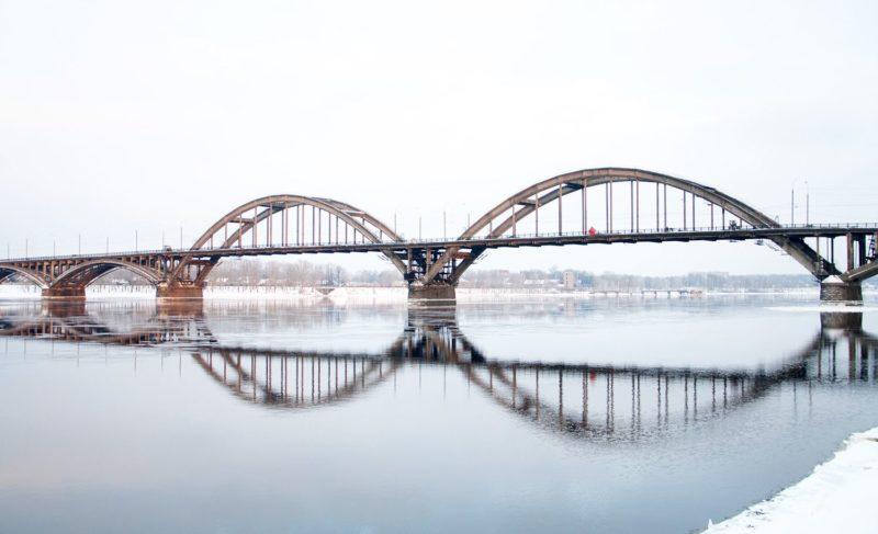 Тело мужчины на Плеханова и сообщение о падении женщины с моста: два происшествия за один день