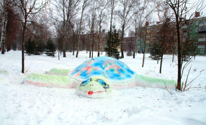 В Рыбинске выбирают лучшую скульптуру из снега. Фото