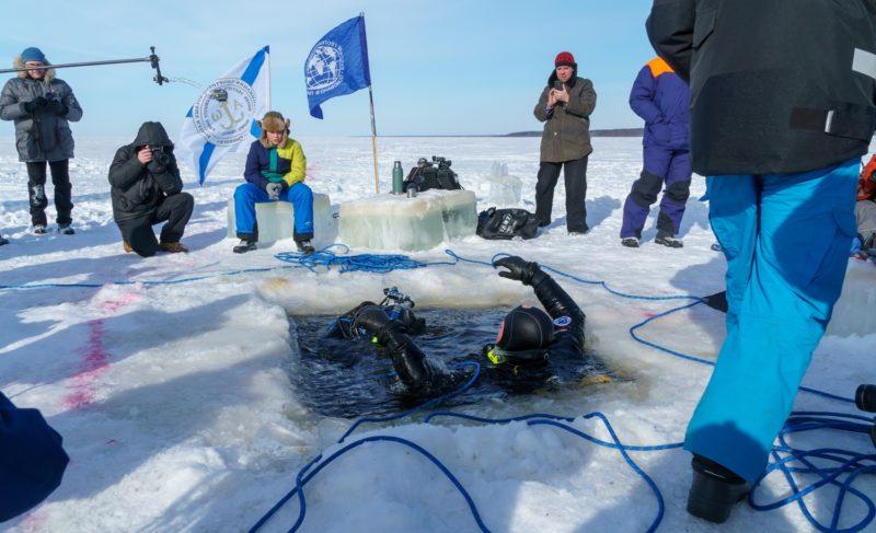 Работа водолазов-исследователей под Рыбинском. Фоторепортаж Александра Коллякова