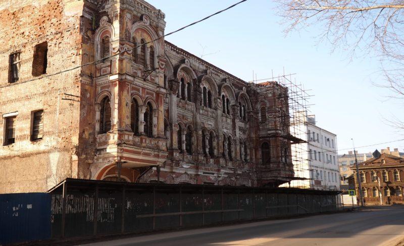 «Восстанови всё, как было; не вмешивайся». На Советской после трёх десятилетий разрухи оживает «Мавританский замок»