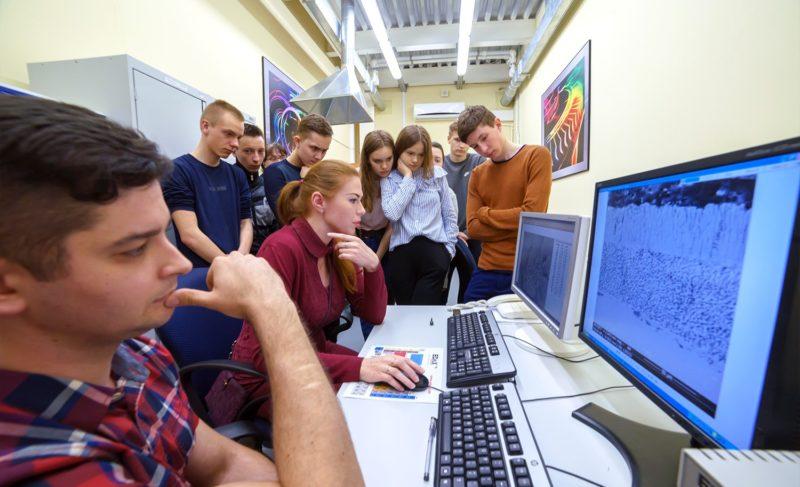 Теория напрактике: «Сатурн» запустил цикл уроков-экскурсий для старшеклассников
