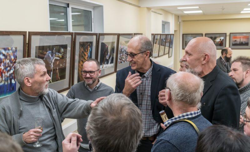 Снимки и спорт: в Рыбинске открылась выставка известного журналиста. Фоторепортаж