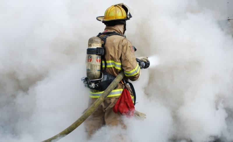 При пожаре на Ворошилова погиб мужчина