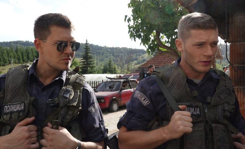 Русские участвуют в военной операции и пьют, ирландцы раскрывают тайны, американцы грабят бандитов. Что посмотреть в кино