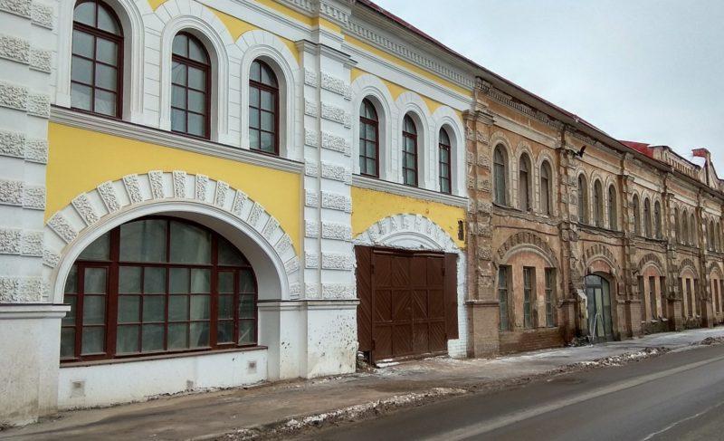 Город собирается выкупить часть Мучного гостиного двора. Для области