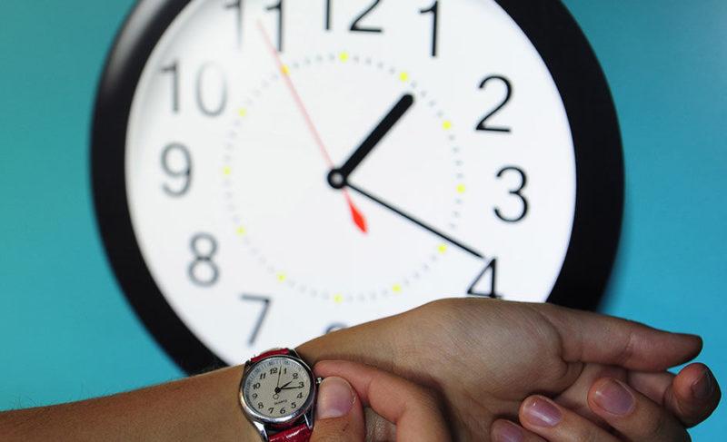 В Госдуму внесли предложение вернуть сезонный перевод времени