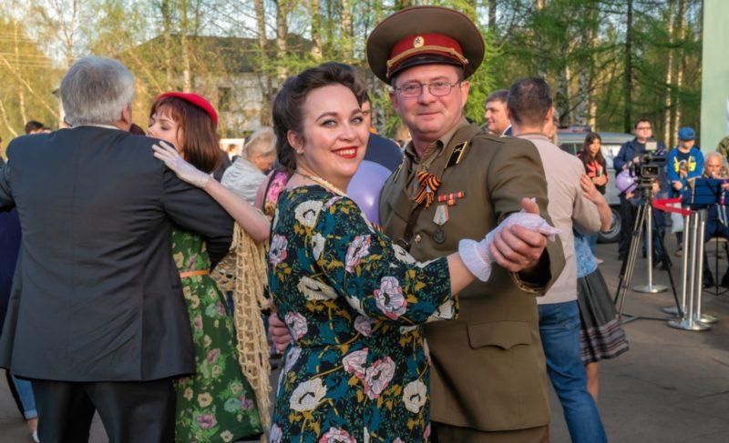 «РиоРита — радость Победы». В Рыбинске прошла реконструкция 9-го мая 1945-го. Фоторепортаж Александра Коллякова