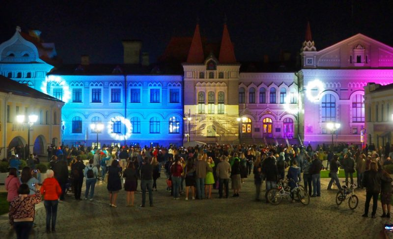Театр, дефиле и световое шоу: как прошла рыбинская «Ночь в музее»
