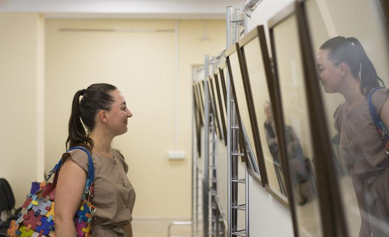 Найденный архив: в галерее НПО «Криста» открылась фотовыставка Юрия Черных о Рыбинске в 70-е годы
