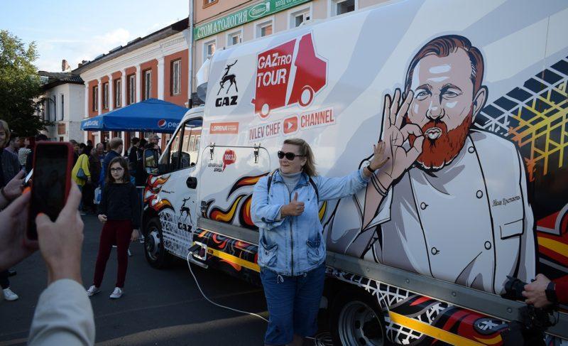 Угощения и селфи: шеф-повар Константин Ивлев посетил Рыбинск. Фоторепортаж