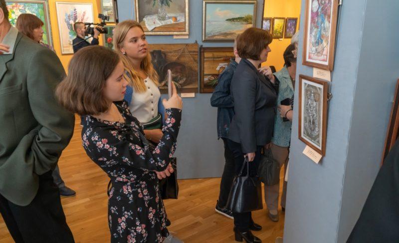 Традиция в сотню лет: в музее-заповеднике открылась выставка рыбинских художников