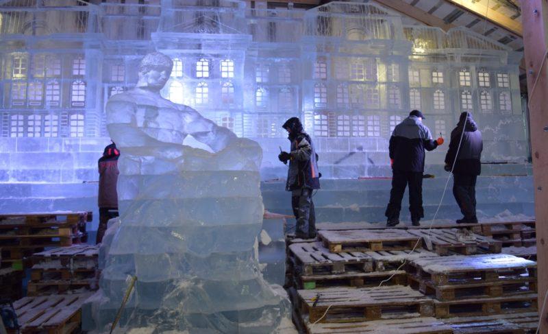 Журналистам из Рыбинска показали, как создаётся «Ледовая Москва». Фото