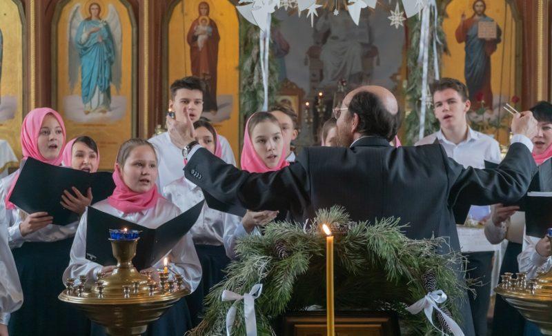 «Соколята» выступили в храме Александра Невского и поднялись на колокольню. Фото