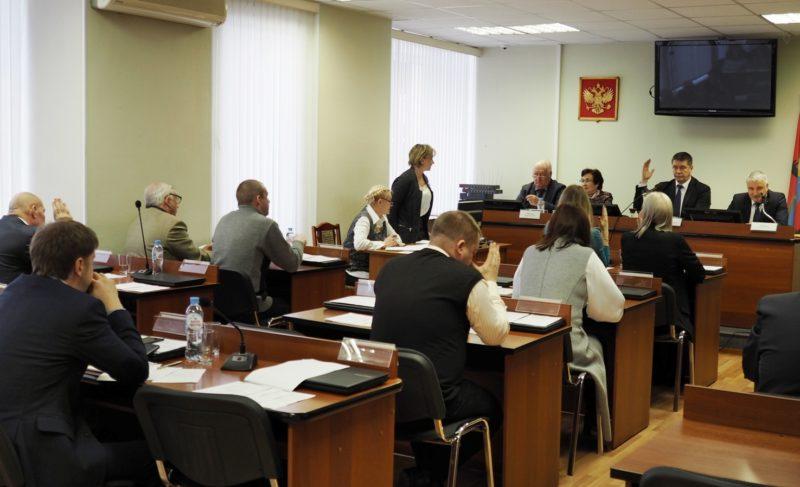 «Напишите заявления в прокуратуру, ФСБ, МВД — нас проверят». Дискуссия в Муниципальном Совете о покупке ДК «Полиграф»
