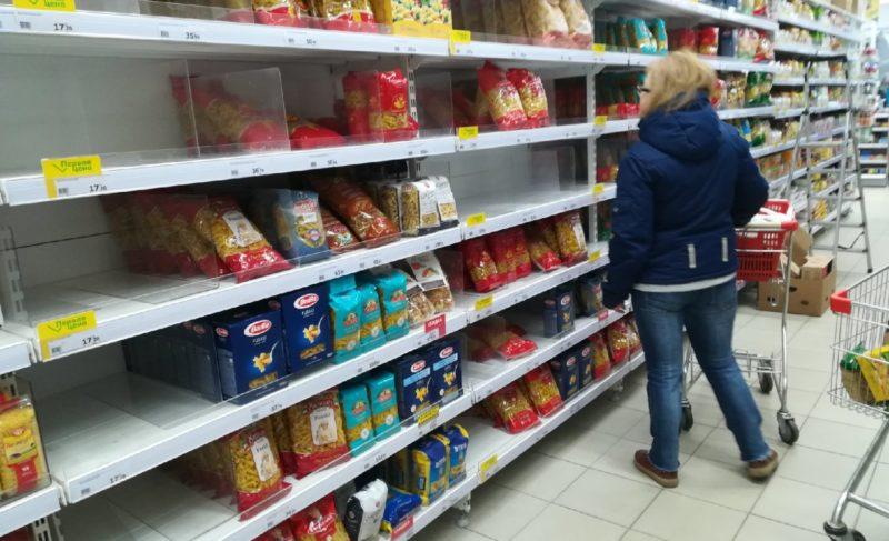Гречка, прощай. Что происходит в магазинах и аптеках Рыбинска после известий о коронавирусе