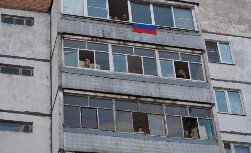 В День Победы на Моторостроителей прошёл песенный флешмоб. Фото и видео