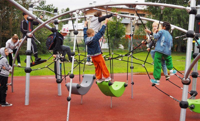 Вмикрорайоне Переборы открыли детский парк. Фоторепортаж