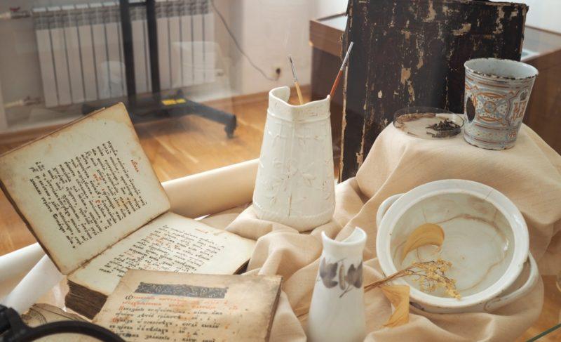 Следы времени: как в Рыбинском музее-заповеднике реставрируют экспонаты