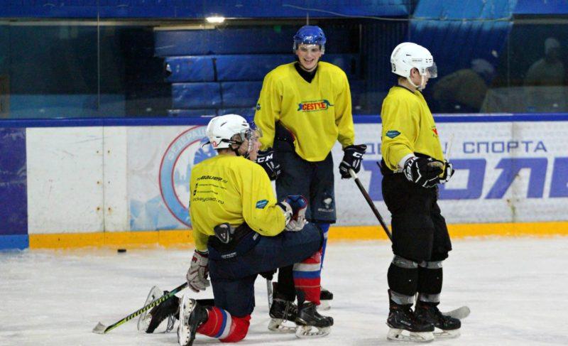 «Если провоцируют— надо драться». Отрадициях, секретах иособенностях молодёжной хоккейной команды изРыбинска