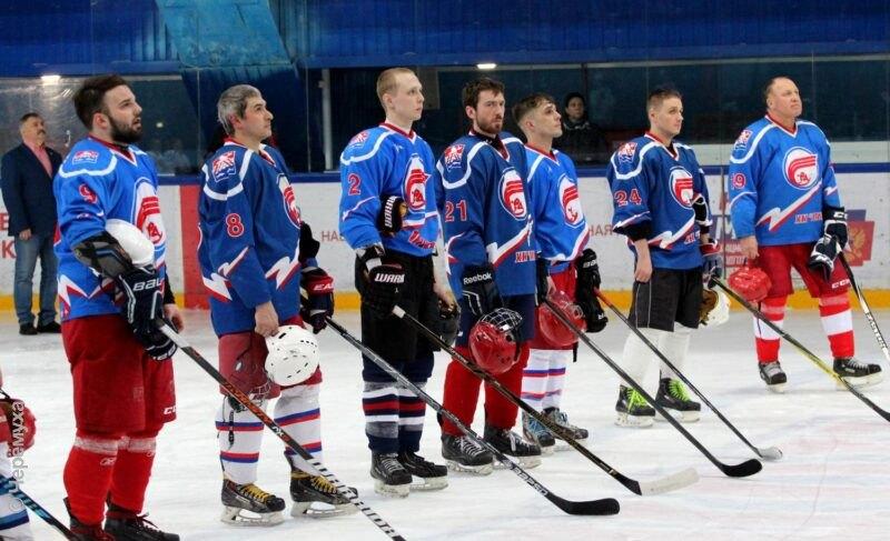 В «Полёте» прошёл матч памяти погибших десантников. Фоторепортаж
