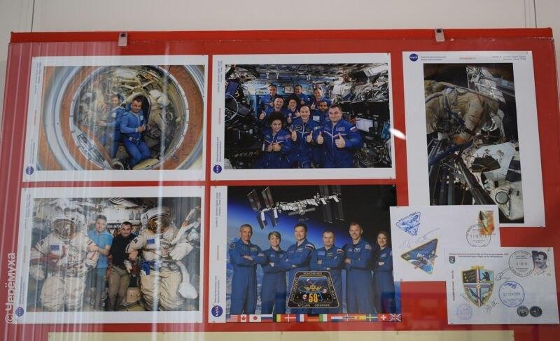 Документы, снимки и костюм Алексея Овчинина. Фоторепортаж с открытия «космической» выставки