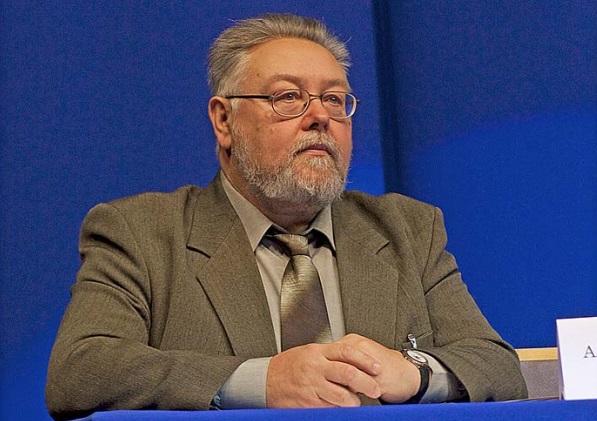 Депутаты Муниципального Совета присвоили звание почётного гражданина Рыбинска Александру Рыкунову и распределили знаки отличия