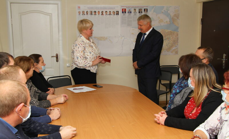 Удостоверение главы, новый павильон на остановке и виртуальный концертный зал — новости от администрации Рыбинска